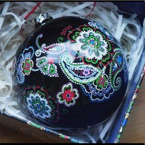 EUC Vera Bradley 2016 Ornament in Kiev Paisley